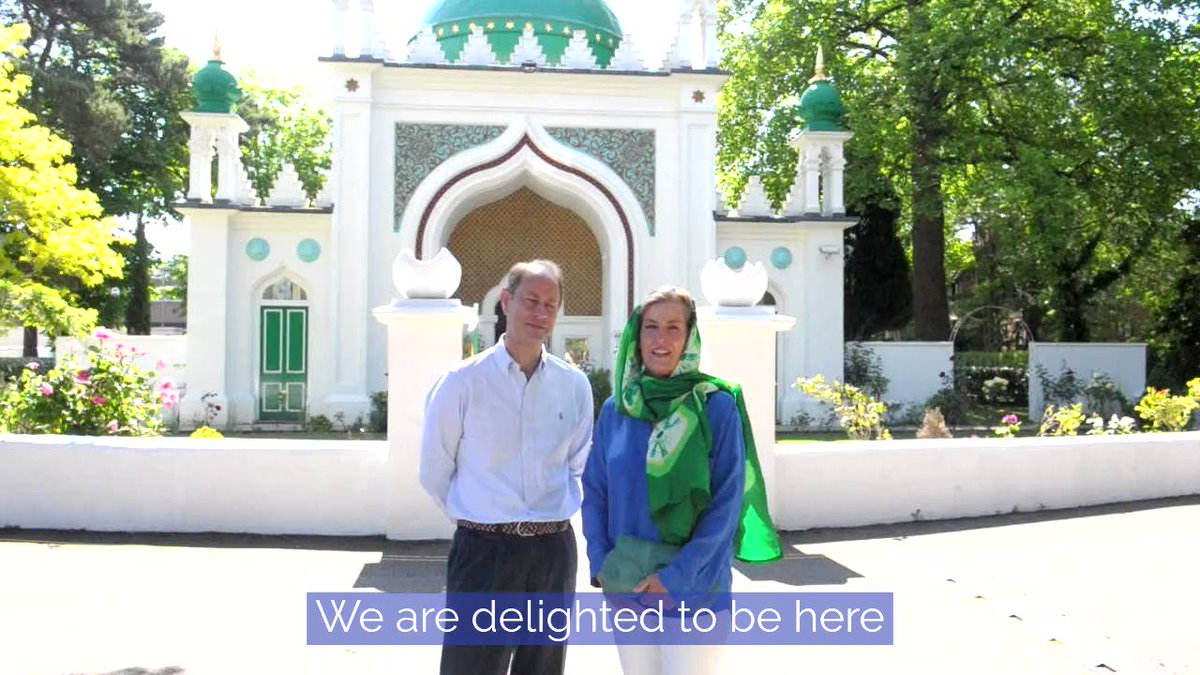 Today marks the end of Ramadan and the start of Eid celebrations for Muslims across the world. #EidMubarak #eidmubarak2020   The Earl and Countess of Wessex joined volunteers at @ShahJahanMosque on Thursday, where they helped pack food parcels and recorded this message. 🎥⤵️ https://t.co/5OKkgjpFVg