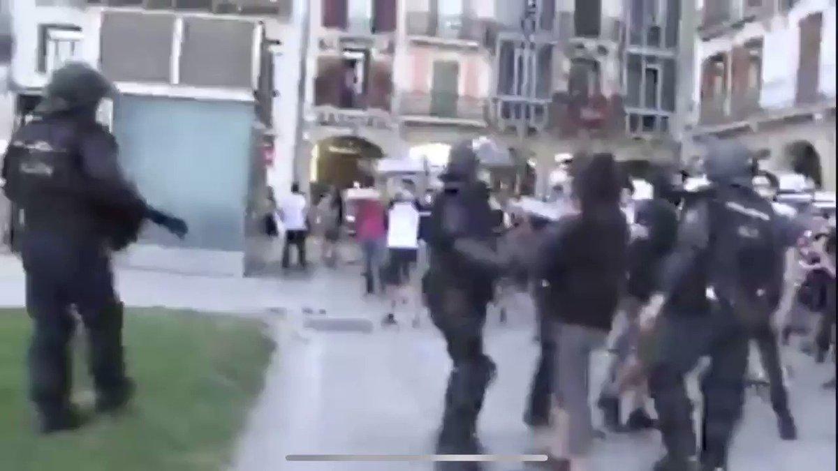 Image for the Tweet beginning: 👉#Pamplona ayer, #Abertzales se manifiestan