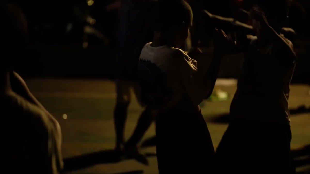 """Ante la urgencia de pensar espacios alternativos, """"Obscuro Barroco"""" nos ofrece un Brasil diferente, donde la resistencia se vive en la música y el cuerpo de hombres y mujeres trans.  Un documental de Evangelia Kranioti que podrás ver el 25 de mayo en https://t.co/ywKqVQkLCN. https://t.co/in8ER0hF0B"""