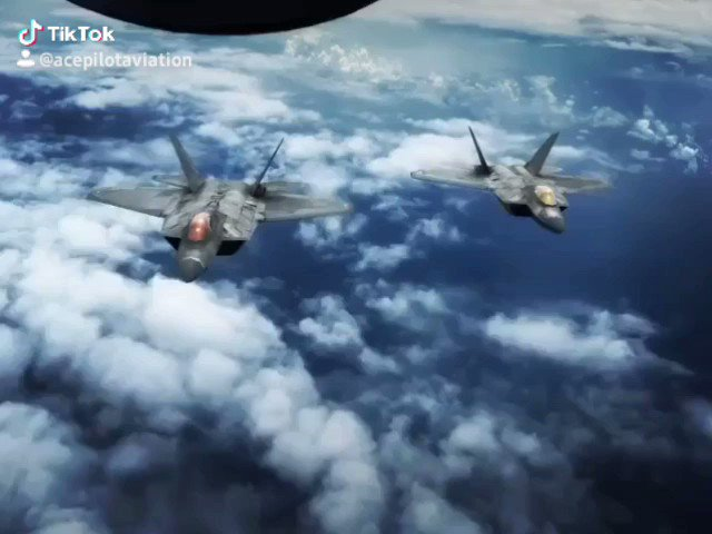 Raptors on the hunt 🇺🇸  📹IG: @bradleyhawkins   #F22RAPTOR #usaf #usairforce #fighterjet #jetfighter #aviation #military #Merica