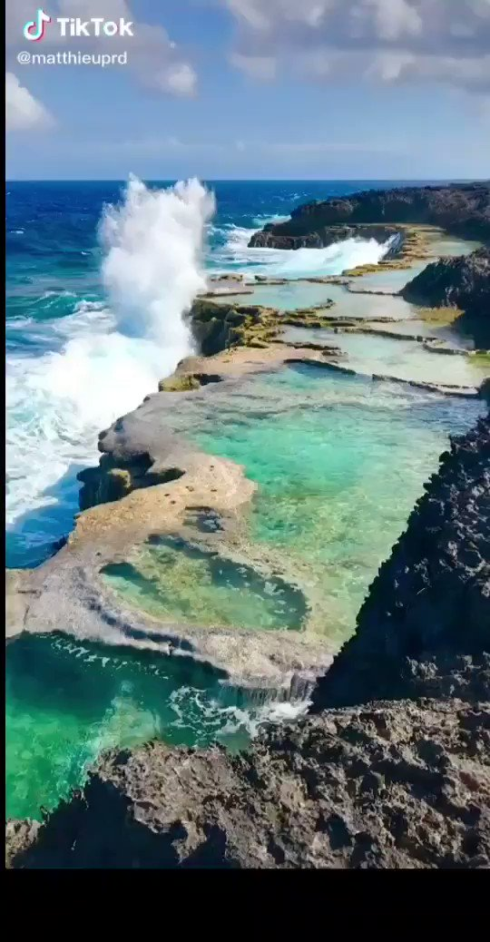 NEVER TOUCH ANYTHING WITH HALF OF YOUR HEART. @matthieuprd #TikTok #travel #tiktoktravel #lifou #newcaledonia #wave #blue #sea #relax #viral #splash Good morning dear friends.  Hope you'll enjoy a wonderful day ahead with your loved ones. pic.twitter.com/pZSuOKDDcW