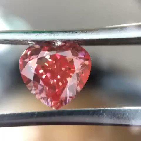 1.54 carat pink heart natural diamond Treted colour si quality  diamondph   #diamond #diamondjewellary #diamondph #diamondring #weddingring #engangmentring #pinkdiamond  #diamondmanila #diamondspic.twitter.com/GT1R014mte