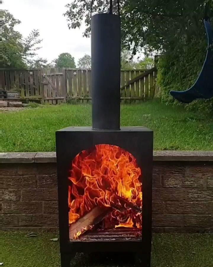 Testing out our new #chiminea #fire #slowmotion #logburner #VIDEO #aroaringfiresir #mesmerisingpic.twitter.com/7AlZxmOFgW