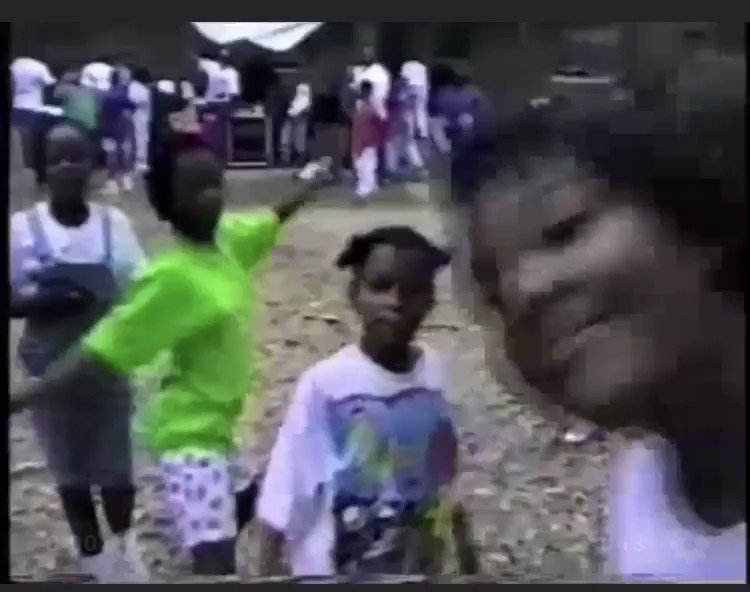 This video from Mardi Gras Day 1992 just brings me so much joy! I can watch it over and over! Y'all recognize anyone? #NewOrleans pic.twitter.com/oGLQ12GeFR