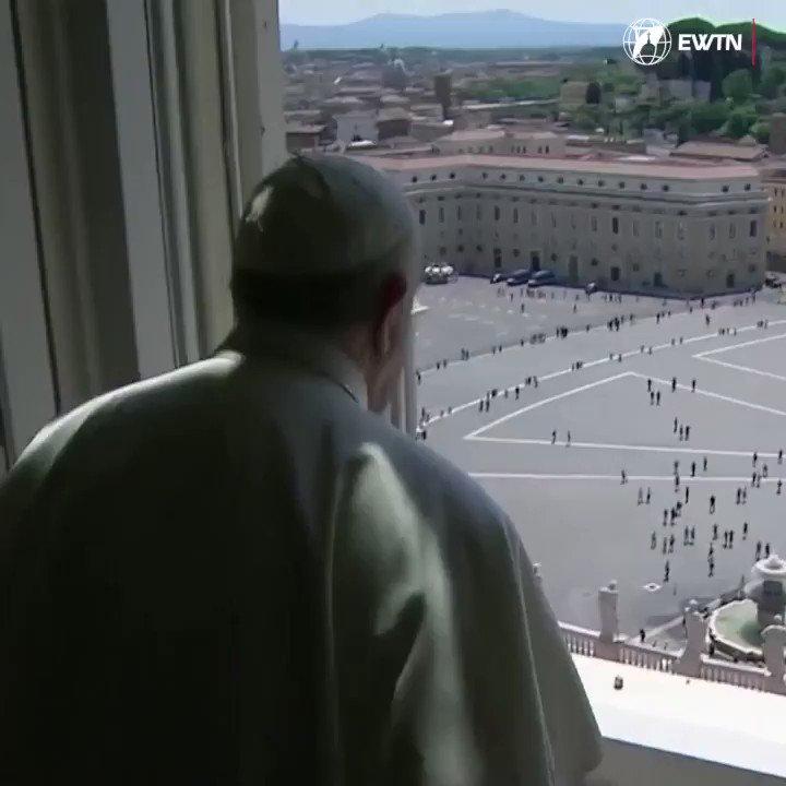 📹VIDEO | ¡Muy emocionante! Por primera vez desde que comenzó la cuarentena por coronavirus en Italia, el Papa Francisco pudo bendecir a los peregrinos que llegaron a la Plaza de San Pedro en este Domingo de la Ascensión durante el rezo del Regina Coeli.