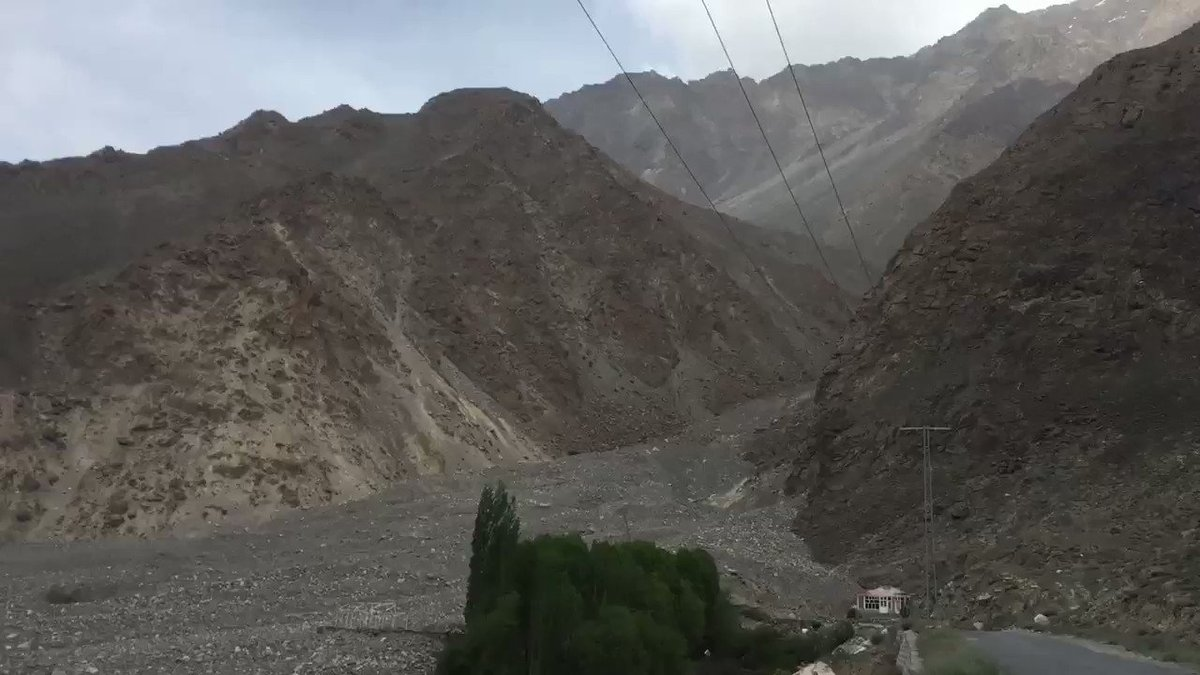 Climate Change Impacts; look at the devastation which Climate Change has brought to Satpara Dam in #Skardu #GilgitBaltistan The flash flood not only destroyed all surrounding hotels but almost hit the Dam as well @aisha4climate @ClimateChangePK @UNFCCC @nytclimate @UNDP_Pakistan https://t.co/F4xvNnPSkr