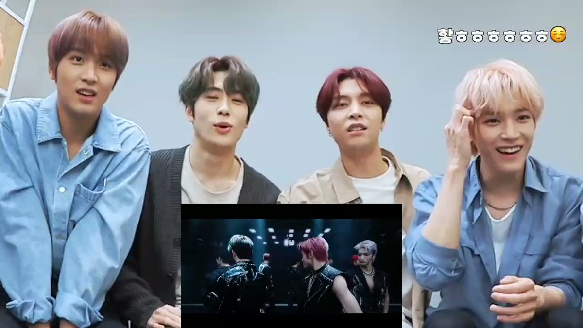 #JOHNNY just spoke my mind out about #TAEYONG's outfit  #NCT127 #Punch #NCT127_Punch @NCTsmtown_127 #NeoZone_TheFinalRound  #MV_Reaction #Ch_NCT  #채널엔시티pic.twitter.com/ctCkvdbPGB