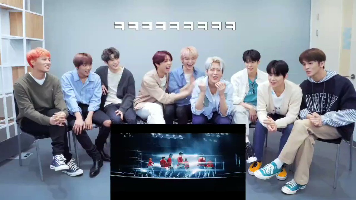 #JOHNNY and #TAEYONG reacting to #YUTA's punch Just 95'ers hitting YUTA out of excitement  #NCT127 #Punch #NCT127_Punch @NCTsmtown_127 #NeoZone_TheFinalRound  #MV_Reaction #yutae   #Ch_NCT #채널엔시티pic.twitter.com/m8nAJ2Lt70