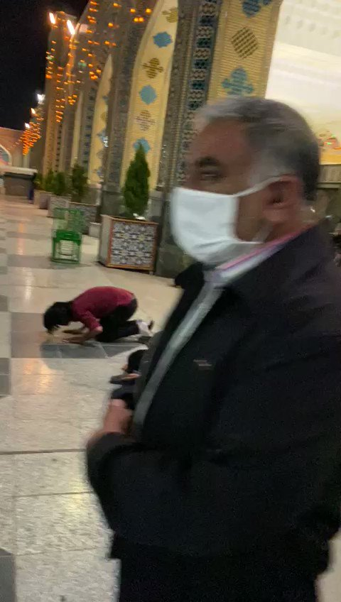 After nearly 3 months of closure the holy shrine of Imam Ridha (as) in Mashhad #Iran has opened its gate for visitors. pic.twitter.com/EyXE2Kr8JI