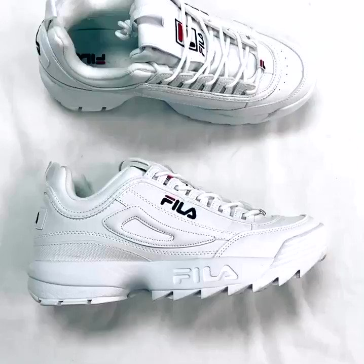 How cool are these Fila's? Call to hold now!   📲 262-785-6605 ——— Men's 10.5 $25 #shoes #shoe #white #trendy #trendynotspendy #gentlyused