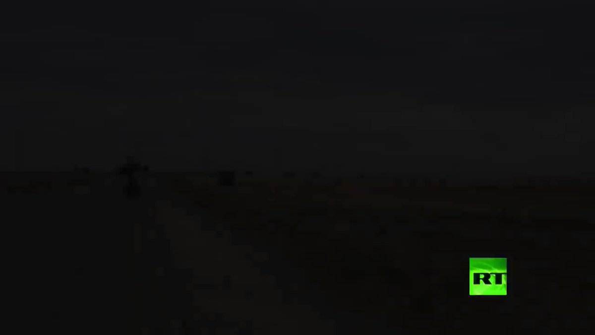 A large #Russian military consisted of more than 30 armored vehicles and trucks was spotted today heading to Ain Issa, #Raqqa province, from Qamishli, #Hasaka.pic.twitter.com/vahGOG0zCQ