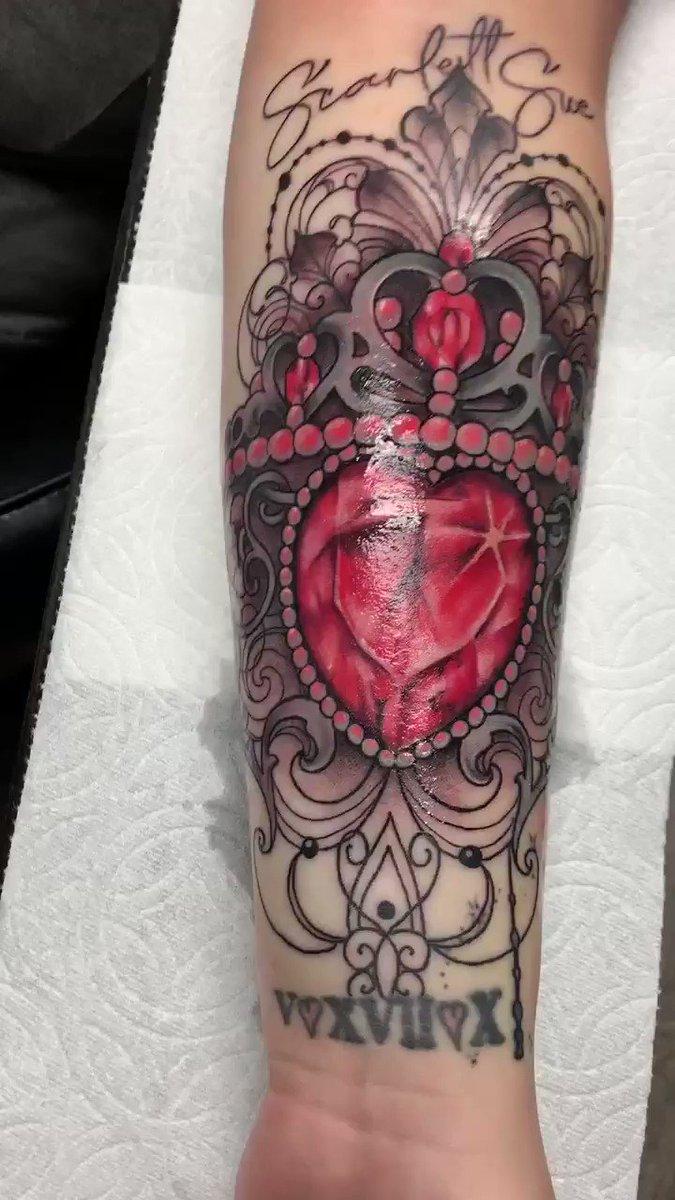 Es get it!  #tattoo #Mesa #Arizonapic.twitter.com/8GigjrqJ4b