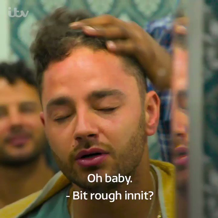 There seems to be some friction between the #ThomasBros on whether this Indian head massage is enjoyable or... not. #MancsInMumbai is on @ITV tomorrow at 8pm! @adamthomas21 @scottyspecial @ryanjamesthomas