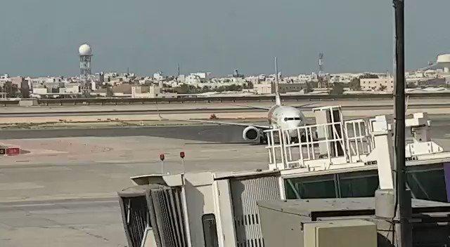 Special Air India Express flight IX 1376 Bahrain-Kozhikode reaches Bahrain International Airport as a part of #VandeBharatMission @MEAIndia @PMOIndia @IndianDiplomacy @airindiain @MoCA_GoI @MoHFW_INDIA