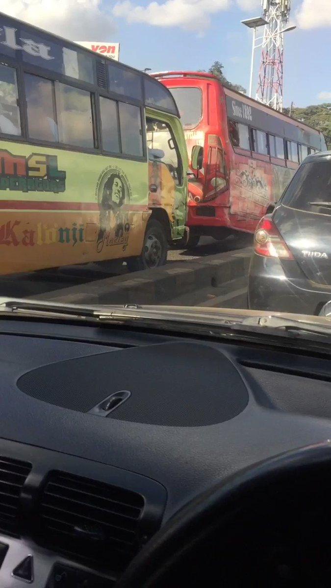 Nairobi #rushhour traffic is back @Ma3Routepic.twitter.com/8PjWEHFcfg