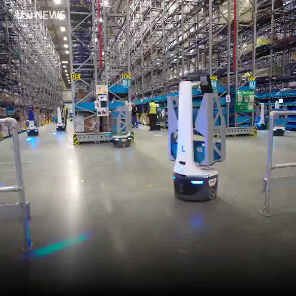 #Robotics #Warehouse #Automation to ensure your packages are delivered   #AI #Robots #FutureOfWork #Logisticspic.twitter.com/1yv5dOTclR