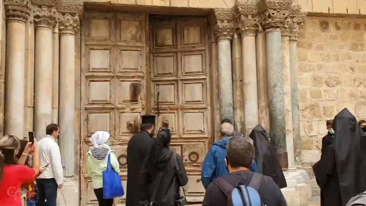 Image for the Tweet beginning: La basilique du Saint-Sépulcre a