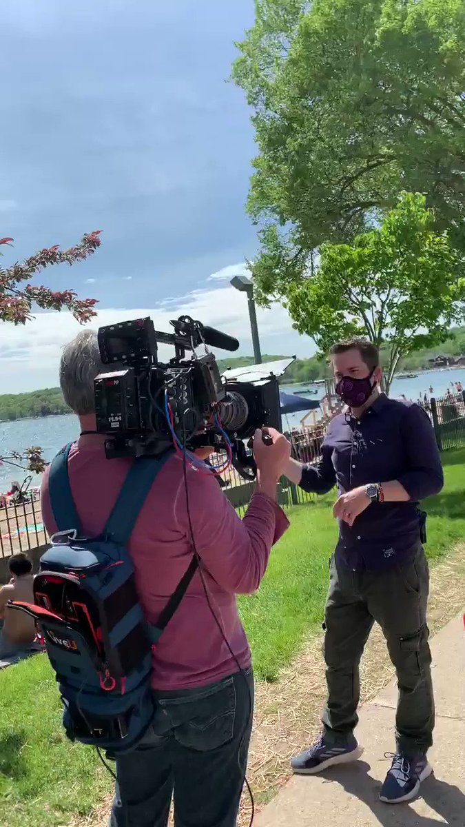 """Nobody's wearing #Masks--like this guy right here""--#LamestreamMedia #Presstitute  ""Including your #CameraMan--half your crew isn't wearing #Masks""  pic.twitter.com/Gk33haLeW3  #Masks protect only from the emission of #Bacteria NOT #Virus  No evidence #SocialDistancing works either"