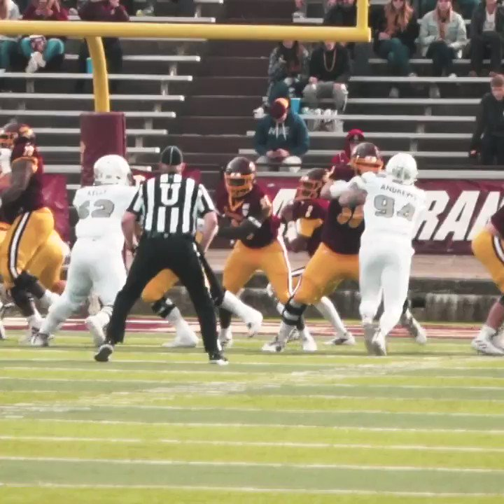 This week's #TouchdownTuesday is brought to you via a 7️⃣4️⃣-yard 🏠 ☎ from @David_Moore5 ➡️ @Almighty_jward  🆚 Eastern Michigan‼️  #FireUpChips 🔥⬆️🏈|| 🎟➡️: