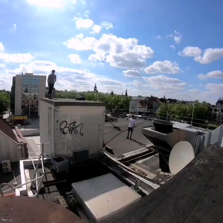 Roof to roof jump #men #style#asiat #sport #freeruning #parkourlife #jump #parkour #pkr #French #lifestyle #roubaix #sportextreme #extremesports #Rooftop #roubaix #jump #Training #sportif #asiatique #asian #goodvibe #sun #gopro #goprohero7black #nord #francepic.twitter.com/UBJkkY7Hqx