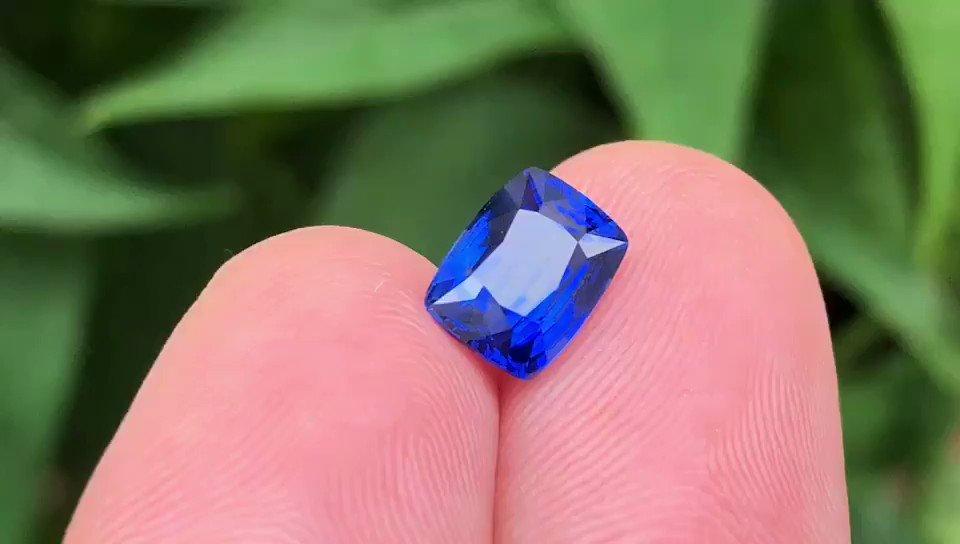 Natural Royal Blue Sapphire Sri Lanka 2.02ct . . . . . . #gemstonejewelry #jewelrymaking #jewelrydesigner #engagementring #weddingrings #gemcutter #daimonds #bluesapphire #fashion