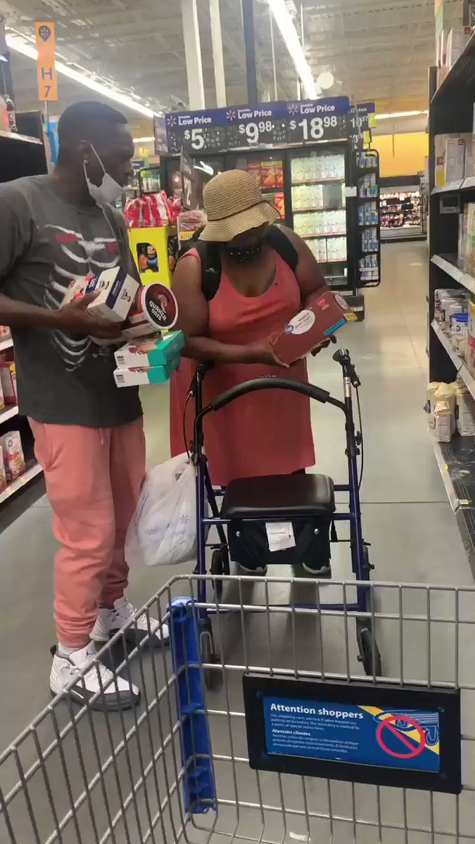 "He went in Walmart and pranked random people with NBA YoungBoy's ""AI Nash"" lyrics 😂  https://t.co/6fTEYLassI"