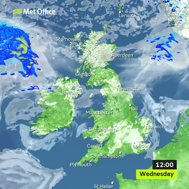 Lots of #sunshine across the UK today making for a very #warm afternoon for some pic.twitter.com/3OzW1vaAVI