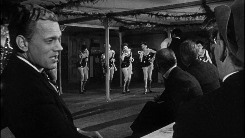 Citizen Kane (1941) Dir Orson Welles  Interesting staging in this scene. The camera frames Kane between the men on the shot and the reverse shot as they discuss his moral future.  #filmtwitter #film #citizenkane #orsonwellespic.twitter.com/OQIwgFWQzA