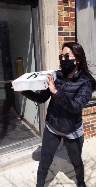 The excitement of shipping out our customer's products  (The box was not shaken aggressively lol ) Where all the jbeauty lovers at!?   #Keshoume #Chicago #Japanese #jbeauty #beauty #Asian #photooftheday #beautyroutine #beautyblogger #selfcare #beautycommunity #美容 #美活pic.twitter.com/3f7JNpmikg