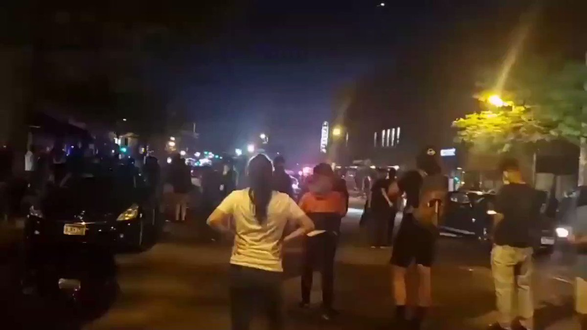 Someone brought a chainsaw to the Minneapolis BLM riot.