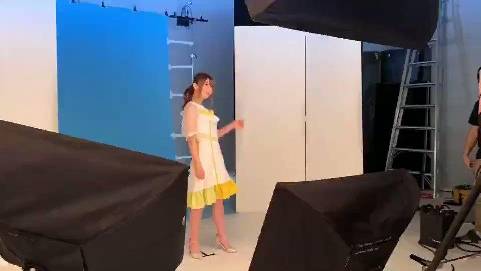こちら、私も撮ってもらっちゃったんですよ☺️💕#みらオン 撮影風景の、タイム…ラプス?📱途中でひょっこりするのは誰かしら?🤔.❀きよの❀.