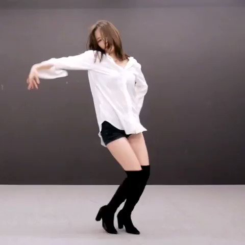 """After a really long time SoRi challenged a new dance choreography! Check out the Pussycay Dolls """"React"""" dance choreography made by Hyojin from 1 Million Dance Studio!  https://bit.ly/2AjyDN2  #1milliondancestudio #react #dancecover pic.twitter.com/vxQrOgQNtM"""