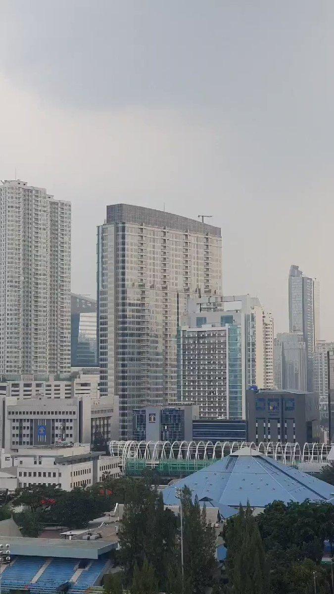 Foggy weather today #Jakarta pic.twitter.com/2zR0lV84Iq