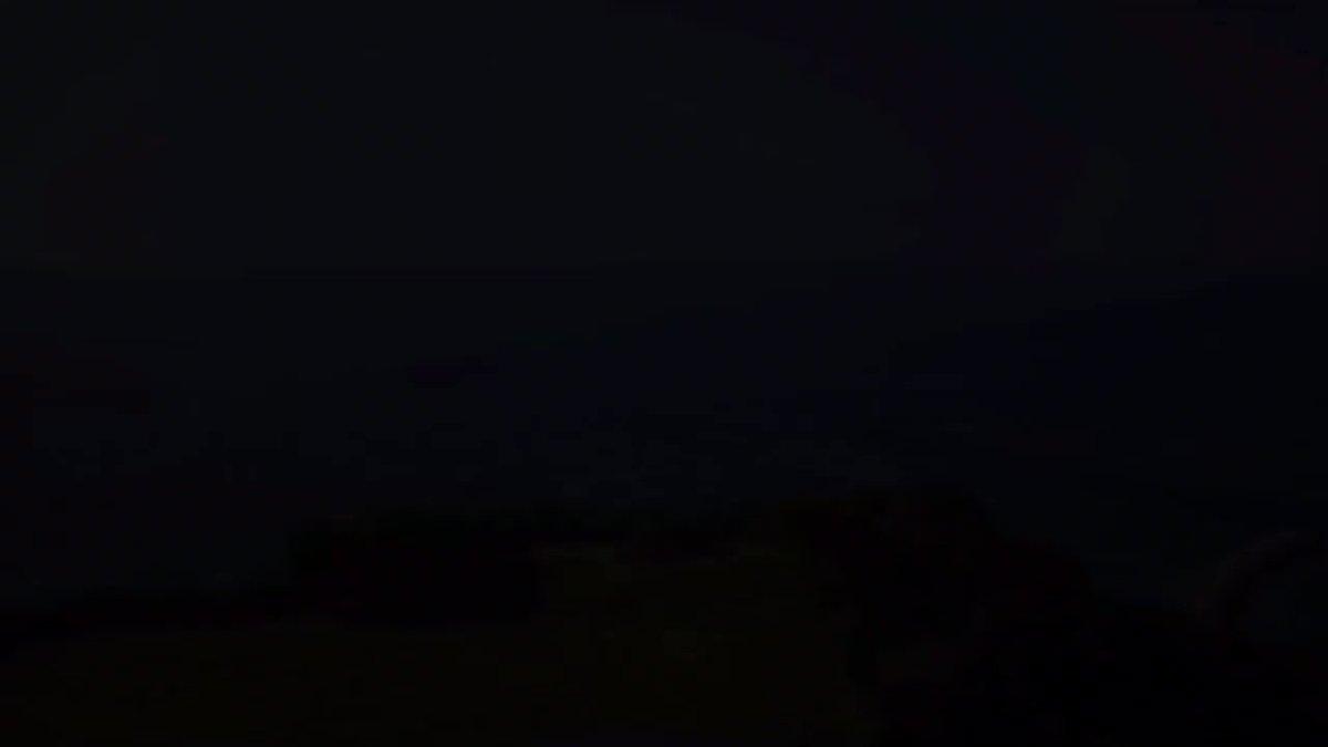 OKINAWA DRONE AERIAL SHOOTING #ドローン #沖縄 #空撮 #okinawa #drone #知念岬公園 #オブジェ #mavicmini #強風注意 #海 #空 #雲 #風 #木 #芝生 #森林 #東屋 #風景 #絶景 #満潮 #芝生  #逆光 #plフィルター #カコソラ #スマホ編集 pic.twitter.com/s5TXmCq4yM