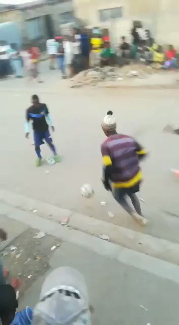 30sec of pure joy for football lovers. Watch street football at its best 🎥 @RabiuMJauro