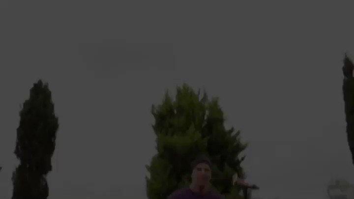 Preparen sus traguitos que nos vemos en 2 horas en VIVO por mi canal de Youtube y mi FB!! Cuantos ya vieron el video de #SOLTERA  pic.twitter.com/axI8YYU8yX