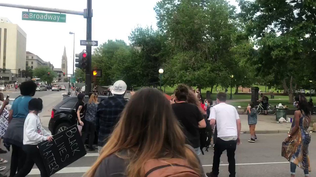 DENVER, CO — Police searching for driver who ran over pedestrian with SUV during a peaceful protest for George Floyd.  https://t.co/Qx36QrTk2T