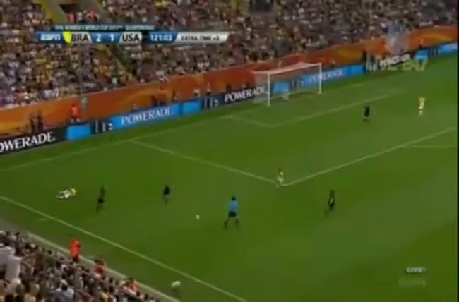 """If you need a pick-me-up during these dark times, here's Ian Darke calling """"the Header Heard Round the World"""" from the #USWNT-Brazil 2011 #WorldCup quarterfinal pic.twitter.com/uhjtZ3ugeg"""