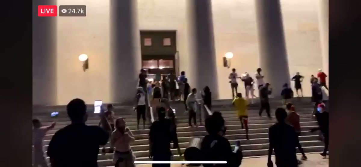 11:36pm  #Columbus #Ohio.   Protestors tried getting into the State Building.    FB Screen Record Video from @10TVpic.twitter.com/jrCIPKo7rl