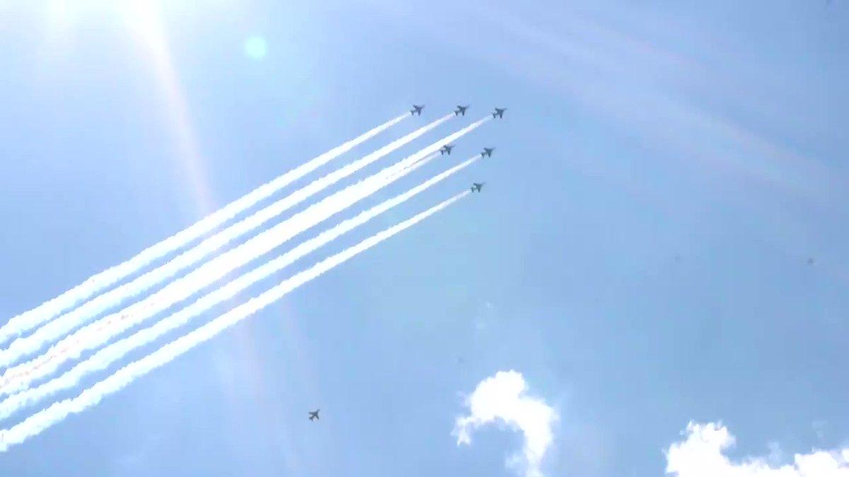 HJ社屋上(新宿中心部)より。皆様に感謝。#ブルーインパルス #航空自衛隊