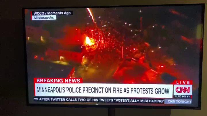 Minny on Fire... & This Fire Ain't Mini! The Police Precinct. Files May Be Lost. #minneapolis #georgefloyd #houston Finest  pic.twitter.com/4XyvKRrAWK