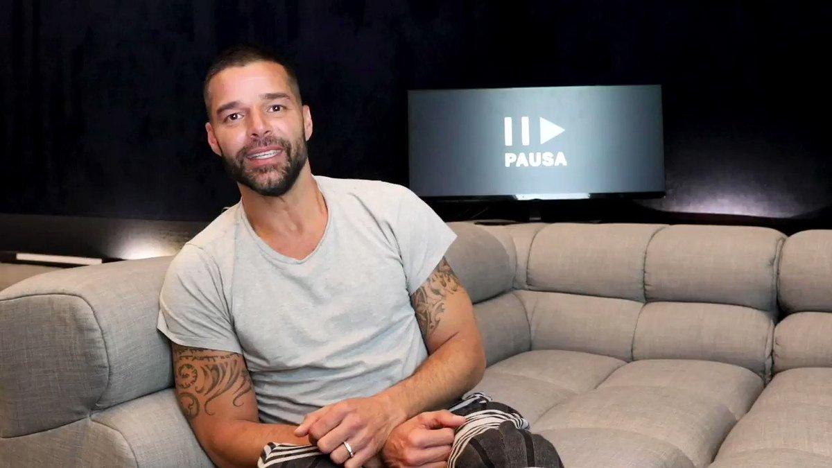 Yo le doy pausa a la mañana 21 minutos para escuchar lo nuevo de @ricky_martin ⏸️🎶🖤. #PausaPlay spoti.fi/2TRqSFg