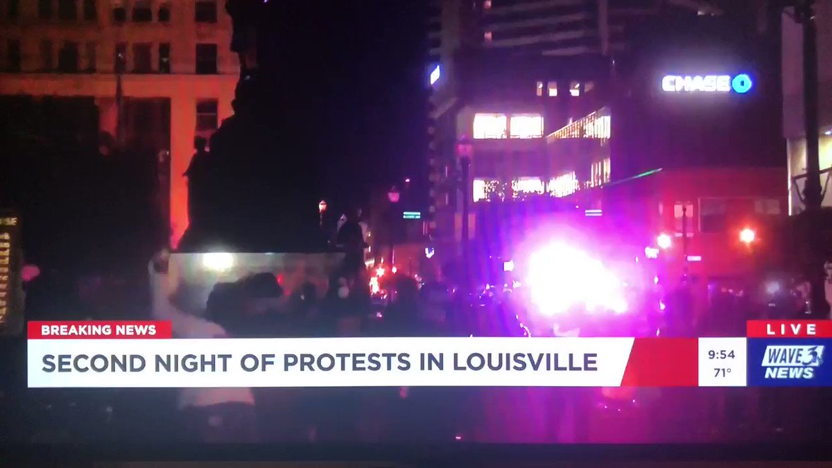 Louisville officer shot rubber bullets and hit a reporter on Live TV