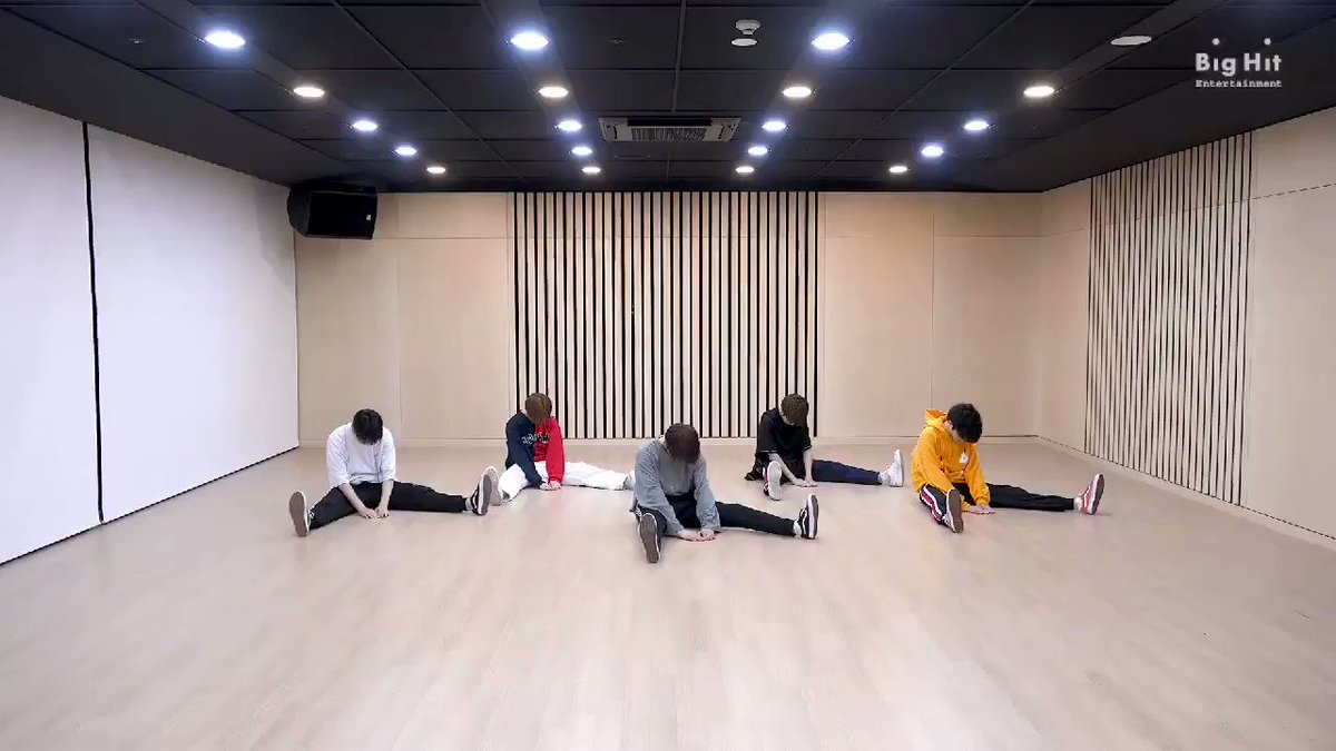 Replying to @helIomyalien: reminder that this is TXT's debut.