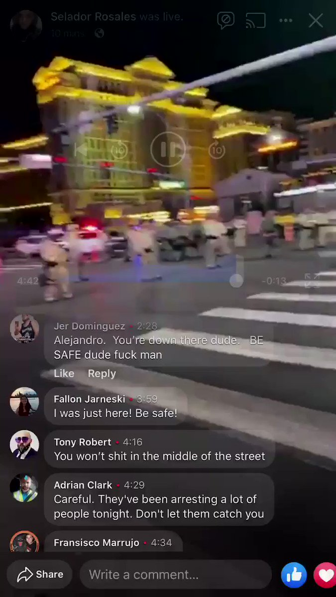 metro just tackled dude at the protest for CROSSING THE STREET , fuck @LVMPD 🖕🏻🖕🏻🐷🐷