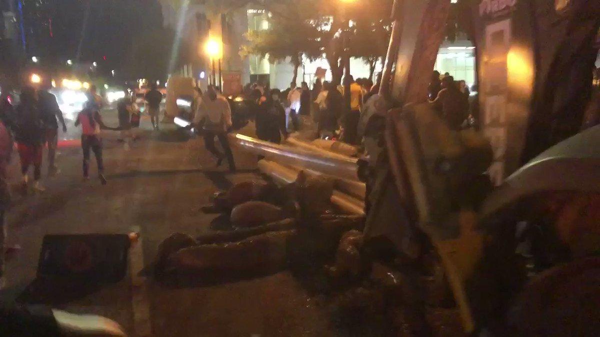 BREAKING: Dallas protestors are creating road blocks