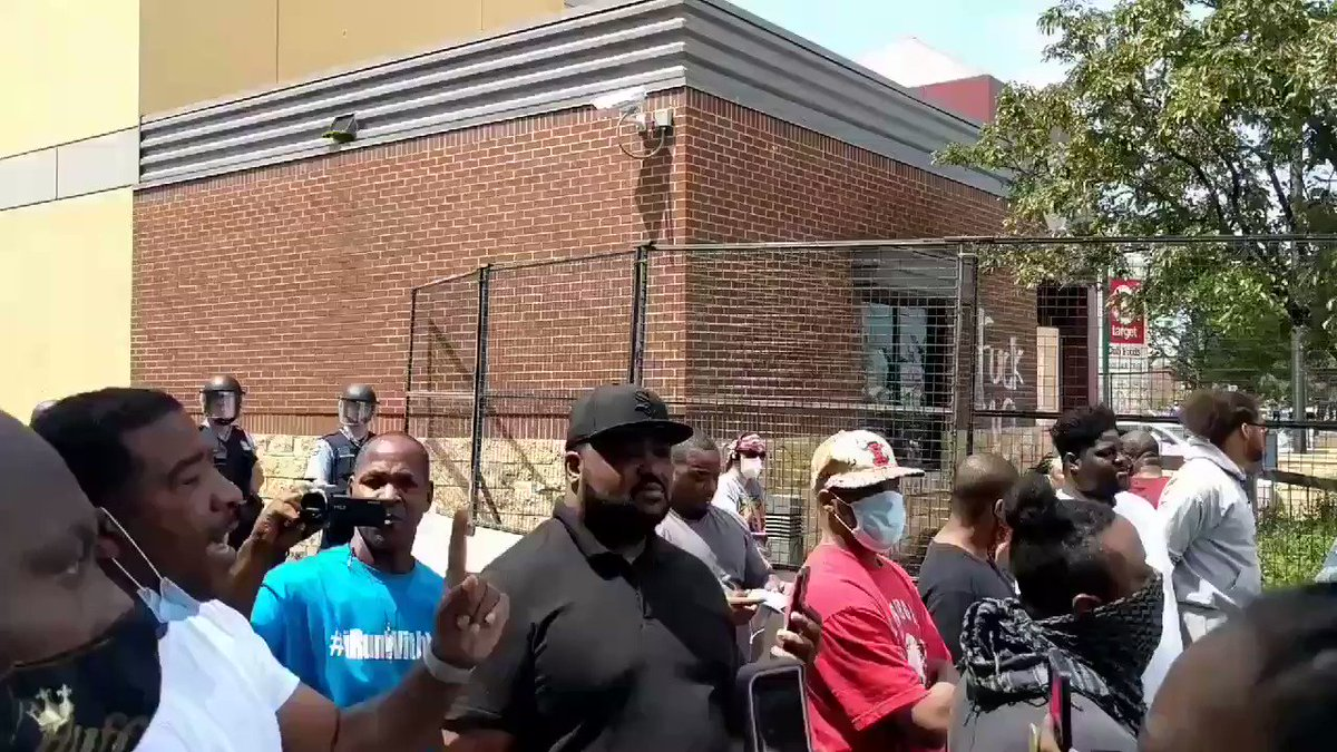 Black organizers in Minneapolis had to confront white Protesters and tell them to chill the fuck out.
