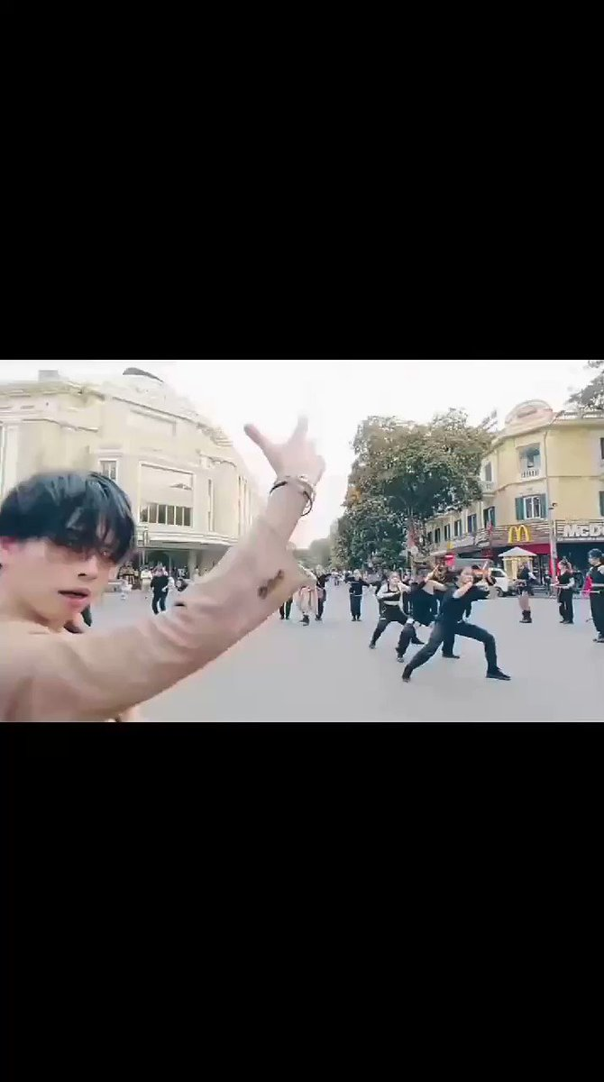 This is so freaking good OMG. The A-Code deserve better  ON - BTS (방탄소년단) Dance Cover | The A-code from Vietnam Link: https://youtu.be/aQO0cat45Ys . #theacode #BTSON #dancecover #방탄소년단pic.twitter.com/dUjlNgFDXN