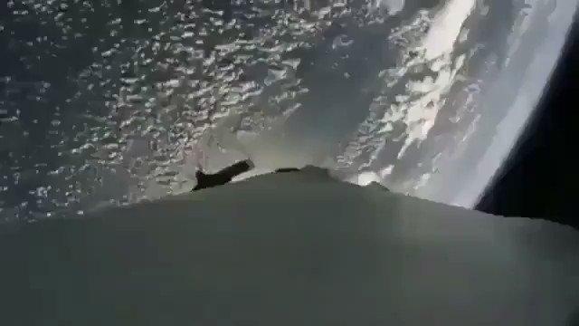 I MEAN, WHAT?! 😳🤯   #SpaceX https://t.co/2JGX3U3zu5