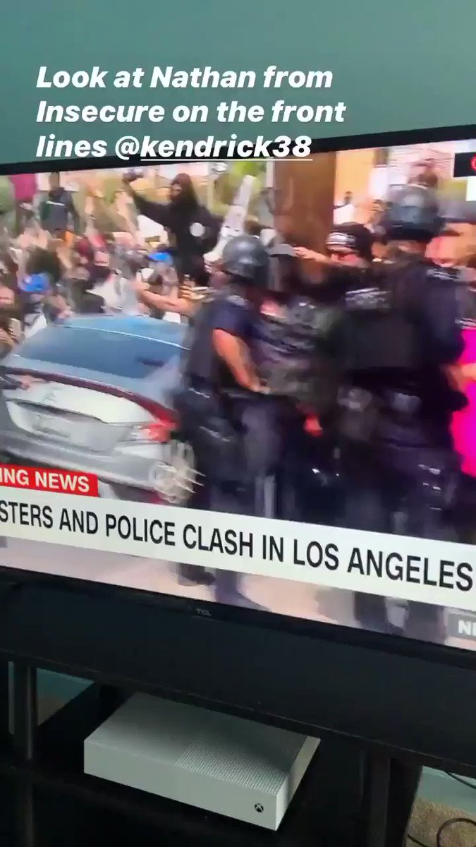 That boy Nathan from @insecurehbo on the front lines going to war! https://t.co/e8Lzx2ODhb